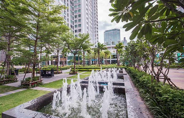 TC-Green-Bangkok-condo-for-sale-garden
