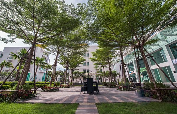 TC-Green-Bangkok-condo-for-sale-garden3