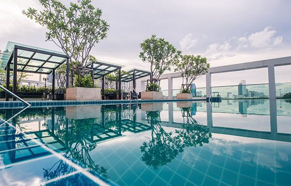TC-Green-Bangkok-condo-for-sale-sky-swimming-pool