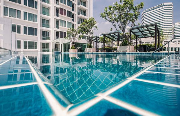 TC-Green-Bangkok-condo-for-sale-sky-swimming-pool2
